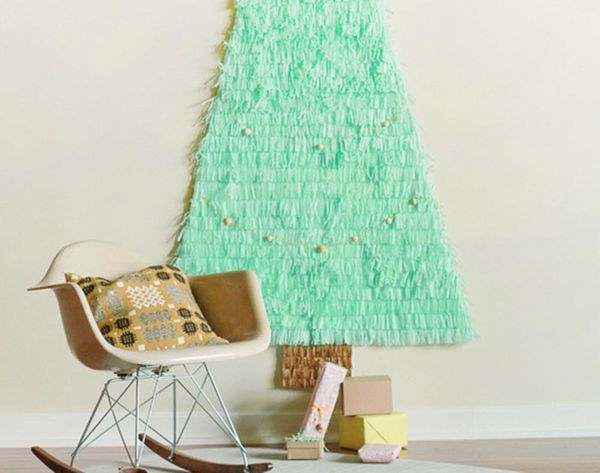 16 Clever and Creative Christmas Wall Trees