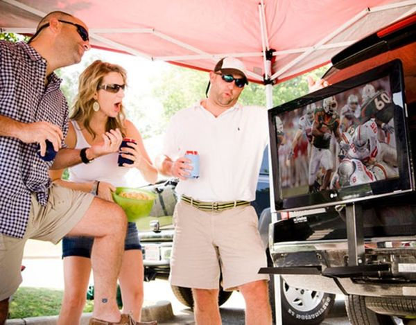 12 Must-Have Gadgets for Tailgating Season