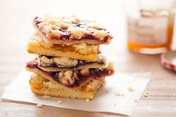 Our 5-Ingredient Jam Bars Are Totally Our Jam