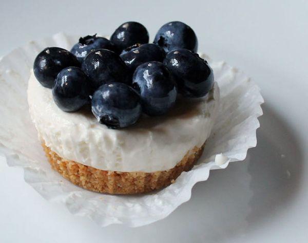No-Bake Blueberry Cheesecake Cupcakes!