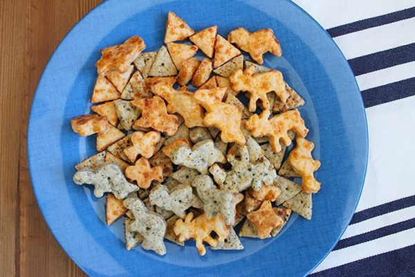 Delicious Snack Alert! Make Your Own Cheez-Its