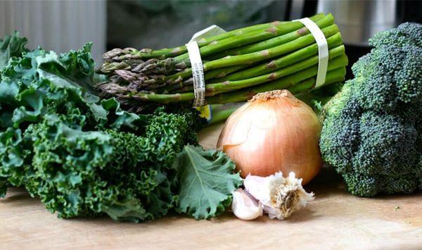 Go for the Green! Asparagus, Kale + Broccoli Soup