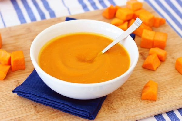 Ginger Butternut Squash Soup Recipe – 5 Ingredients, 30 Minutes, Only 110 calories!