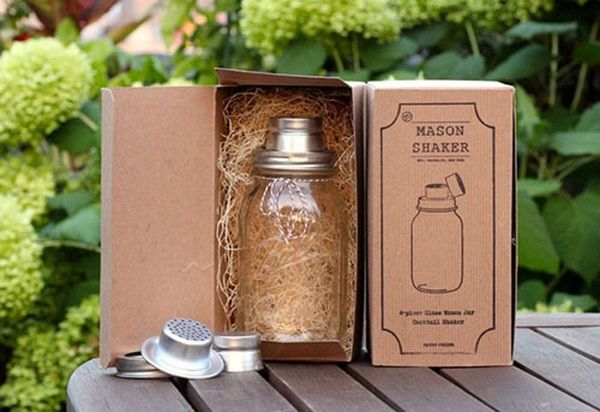 Countrify Your Drink with the Mason Jar Cocktail Shaker