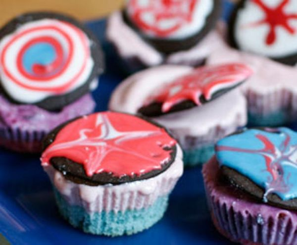 Light Up Your Weekend with Firework Ice Cream Cupcakes