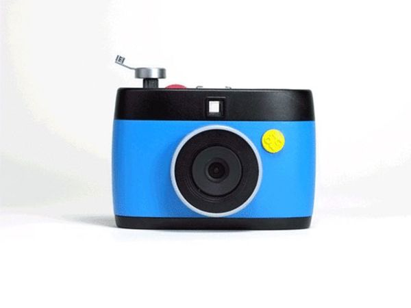 This Camera Doesn't Just Take Photos, It Takes GIFs!