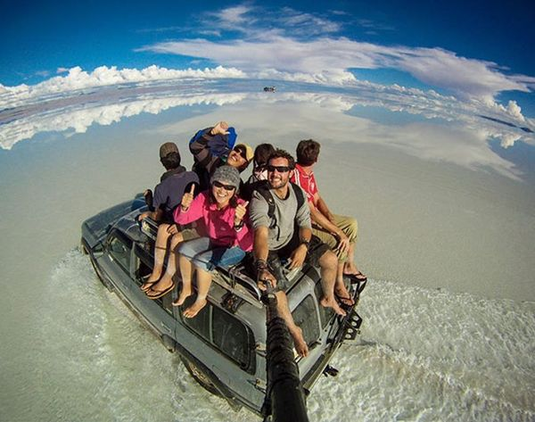 Why This Around-the-World Selfie Is Better Than Your Selfies