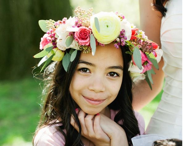 16 Floral Accessories for the Modern Flower Girl
