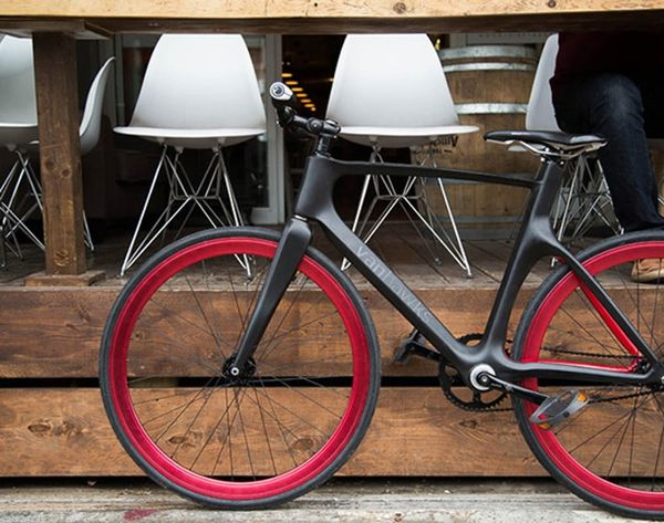 Valour is the World's First Carbon Fiber Smart Bike