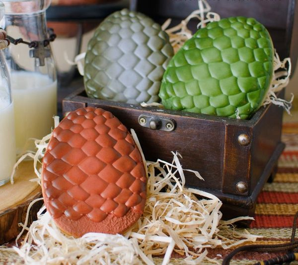 20 Must-Haves for Your Game of Thrones Premiere Party