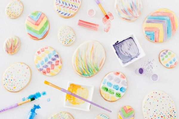 Decorate Your Easter Egg Cookies With Glitter Dust
