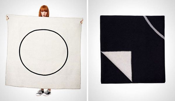 15 Modern Outdoor Blankets for Beaches, Parks, or Festivals