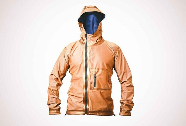 Made Us Look: This Windbreaker Can Maintain Your Body Temp