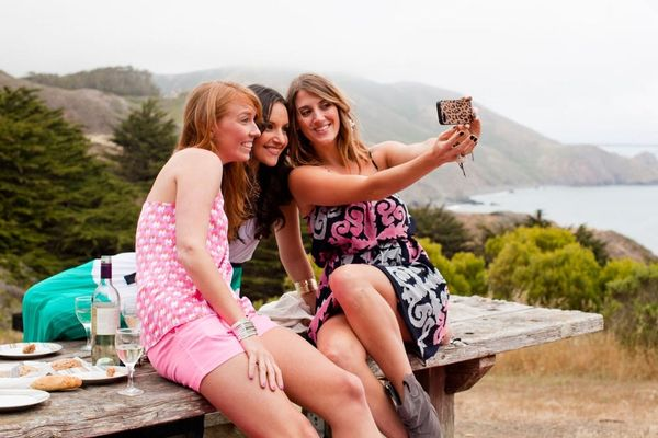 Do You Think YOUR City Takes the Most Selfies? Find Out!