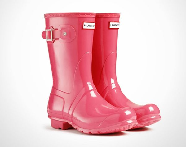 20 Colorful Ideas For Keeping Your Feet Dry This Spring