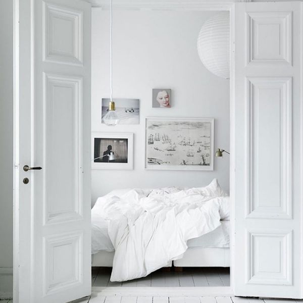12 Ways to Detox Your Bedroom With All-White Everything