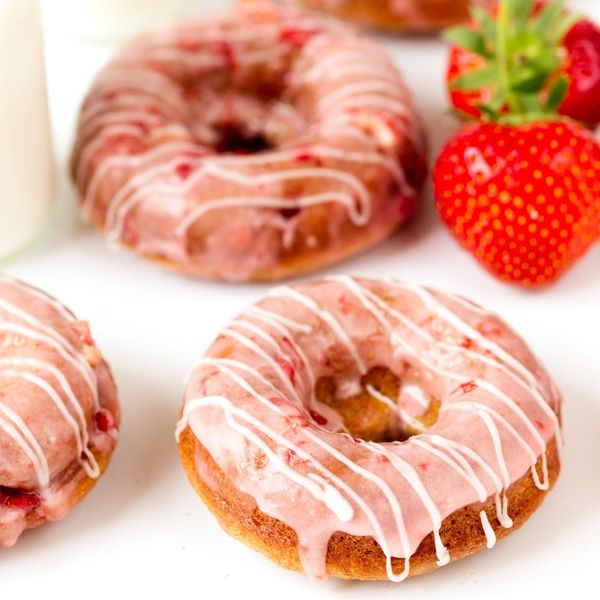 How to Make Healthy(er) Strawberry Donuts for National Donut Day