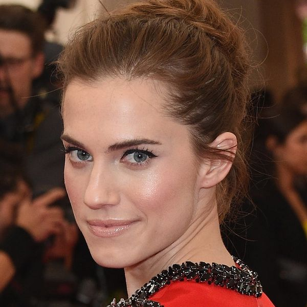 Allison Williams Talks GIRLS Emoji, Her Next Haircut + How She's Giving Back