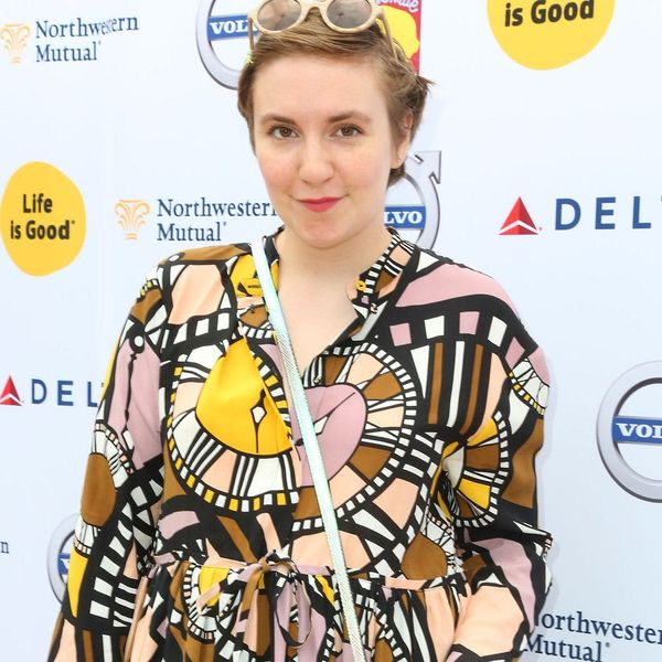 Lena Dunham Just Schooled Everyone in Airport Fashion