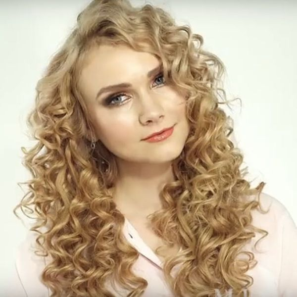 This Makeup Artist Transforms 1 Woman into 6 Versions of Taylor Swift
