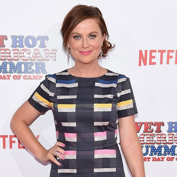 Amy Poehler Proves Neon Pumps Can Look Classy