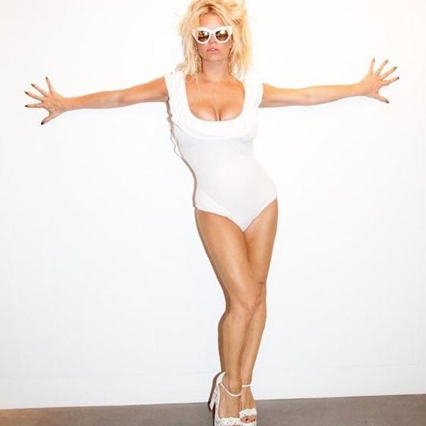 Jessica Simpson Proves This Season Is the Summer of the One-Piece Swimsuit
