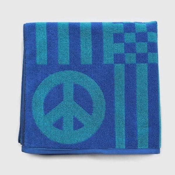13 Crazy Cool Beach Towels