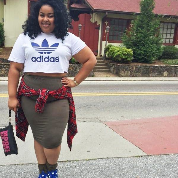 The Awesome Reason Why Women Are Posting Their Crop Top Photos Will Inspire You