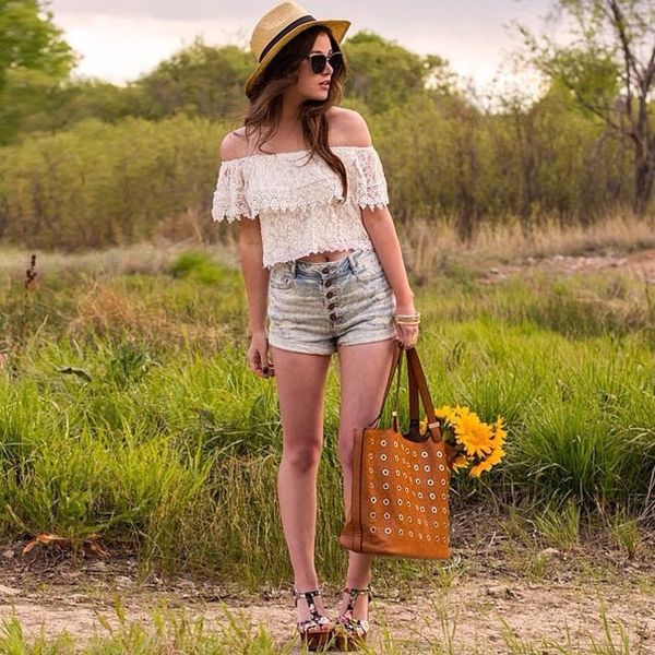 7 #OOTDs for the Week: How to Rock the Off-the-Shoulder Style