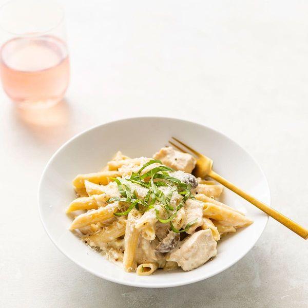 This Instant Pot Creamy Chicken Pasta Recipe Is Practically Magic