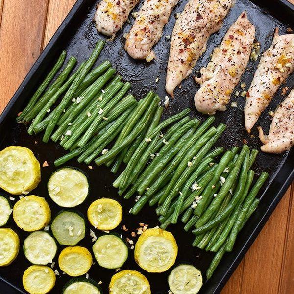 Make This Sheet-Pan Lemon Chicken, Squash, and Green Beans Recipe