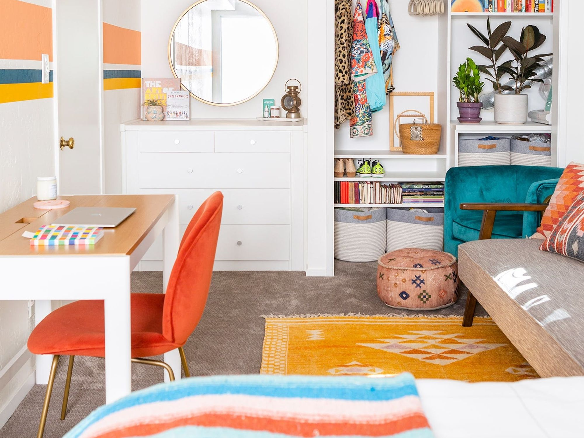 This Awkward Guest Room Gets a Makeover to Become the Ideal Multifunctional Space