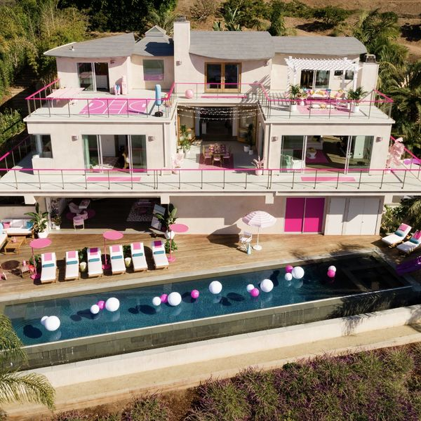 A Life-Size Version of the Barbie Malibu Dreamhouse Is Available for Rent