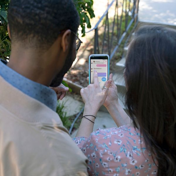 Swipe Right! Online Dating Etiquette for When Things Get Weird