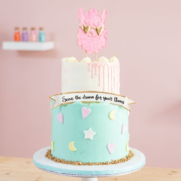 Going Stir Crazy? Take Our Cake Decorating Class for Free!