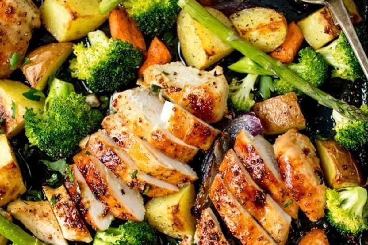35 Minutes and One Sheet Pan Is All You Need for This Honey Mustard Chicken Recipe