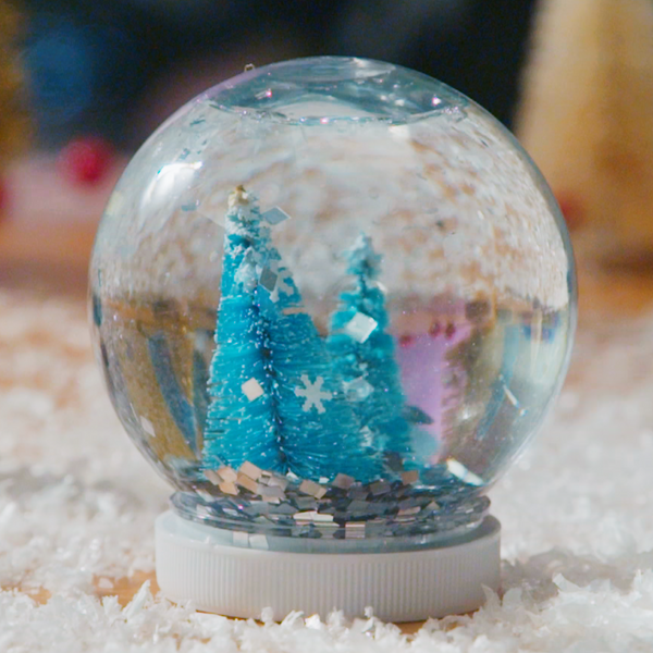 Let It Snow With This Easy Holiday Snow Globe Tutorial