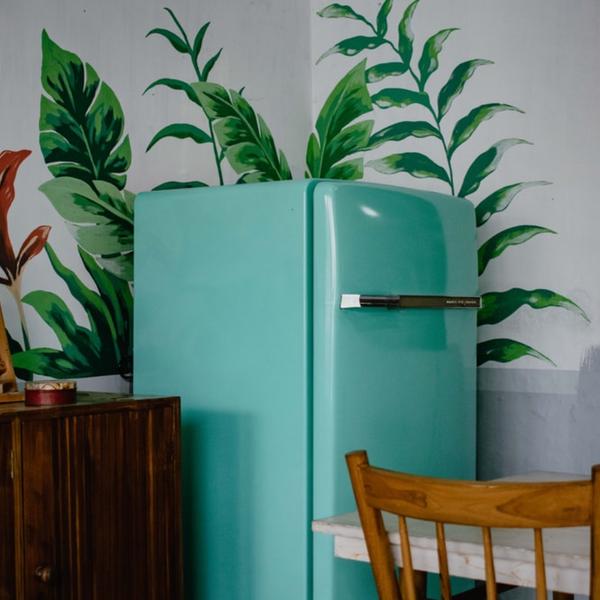 spring clean fridge
