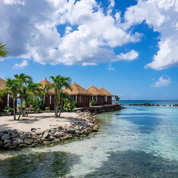 summer travel aruba