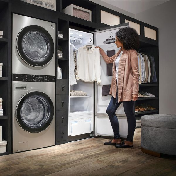 Laundry room with steamer
