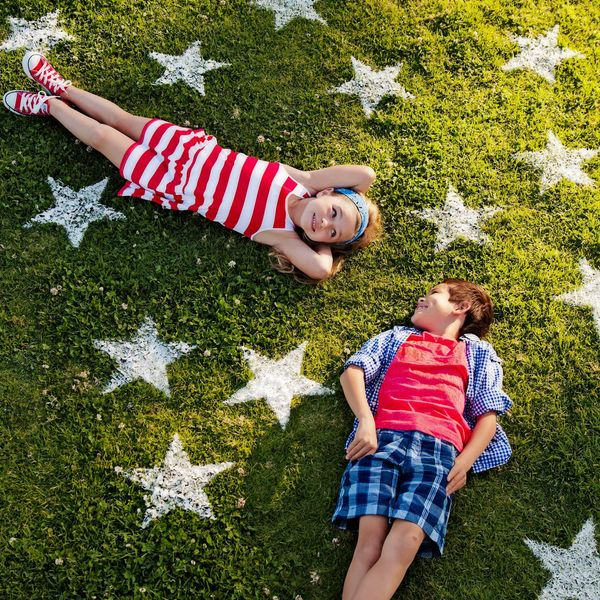 15 Easy Lawn Games To Make For 4th of July Weekend