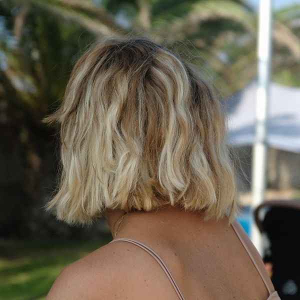 what to bring to the beach for the perfect beach hair