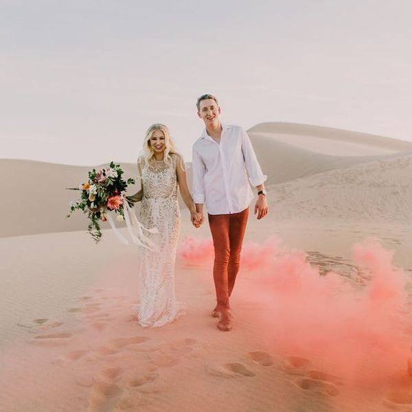 9 Sand Dune Wedding Photos We Can't Stop Staring At