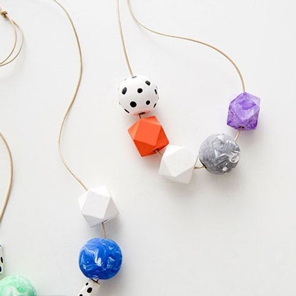 Got 10 Minutes? Make Swoon-Worthy DIY Marbled Bead Necklaces