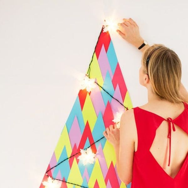 How to Turn Paper into a DIY Holiday Tree
