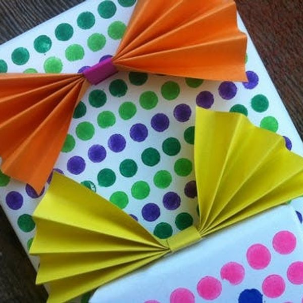 12 Days Of Wrapping: Dots & Bows