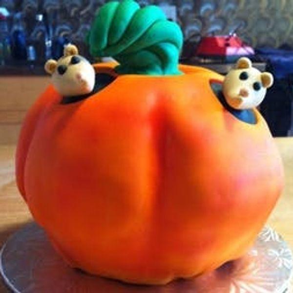 Baking A 3D Pumpkin Cake