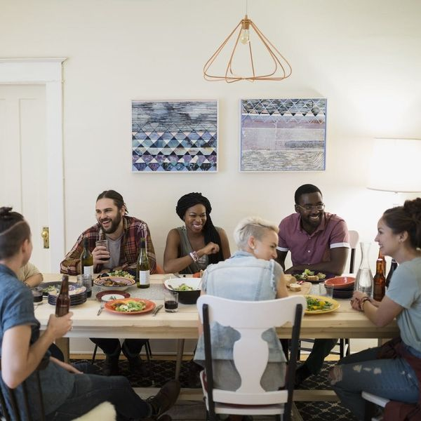 8 Tips to Being the Perfect Friendsgiving Guest