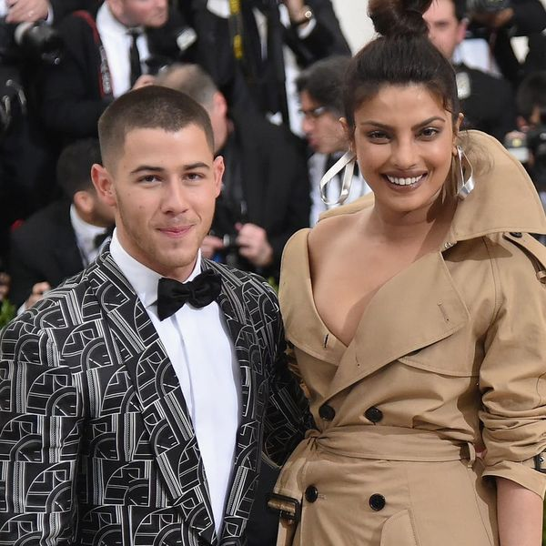 See the First Glimpse of Priyanka Chopra's Engagement Ring from Nick Jonas