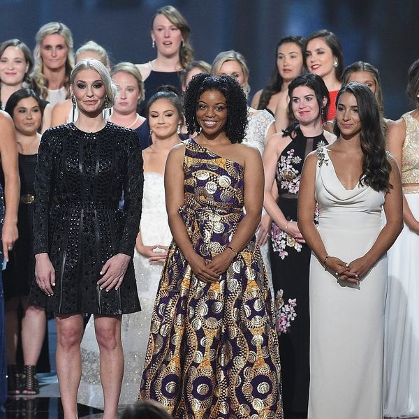141 'Sister Survivors' of Larry Nassar's Abuse Filled the ESPYs Stage in a Powerful Display of Strength
